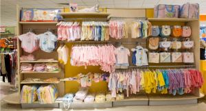 arredamenti-negozi-abbigliamento-bambino-lo-07