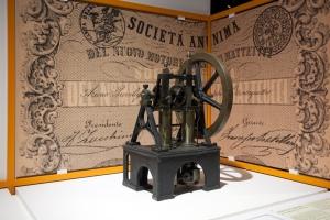 Motore_a_scoppio_Barsanti_e_Matteucci_1854_riproduzione_Museo_scienza_e_tecnologia_Milano
