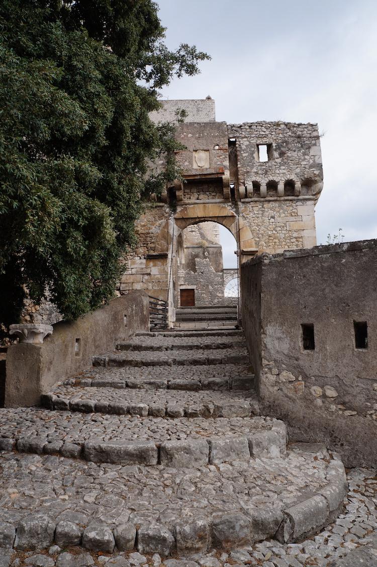 Ingresso Castello di Sermoneta.JPG