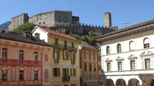 Bellinzona: Piazza Collegiata